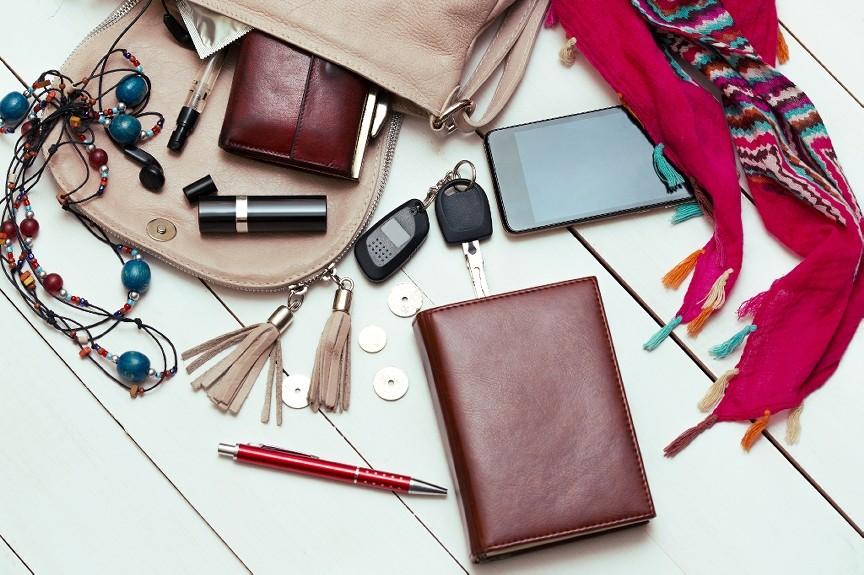 junk-in-handbag
